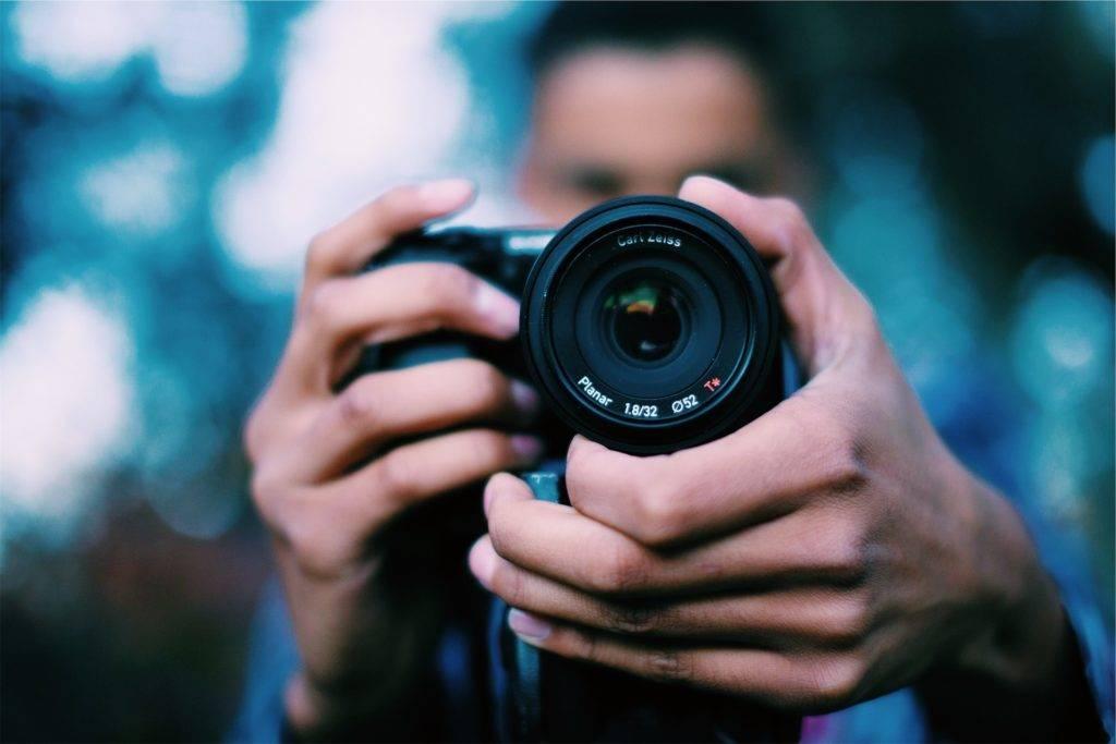 photographer-698908_1920-1024x683.jpg
