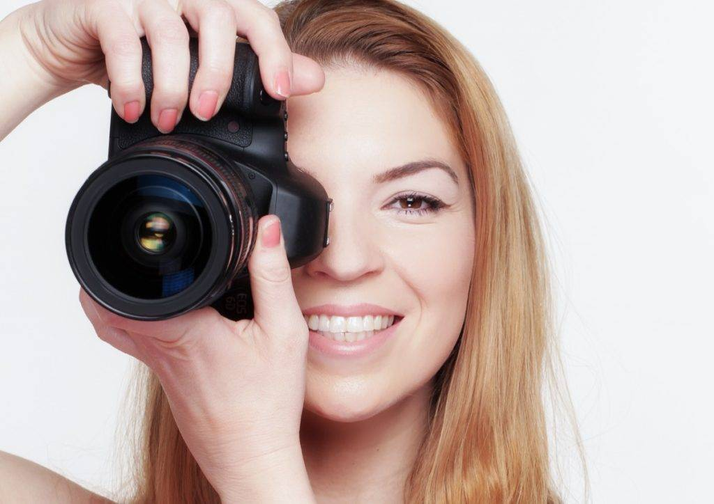 photograph_photographer_photography_camera_dslr_woman_young_face-1291509-1024x724.jpg